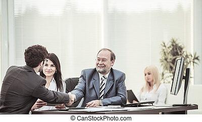 jurist, och, a, handslag, av, affärsverksamhet partner, efter, diskutera, den, termen, av, den, avtal