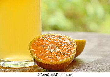 jus, bois, mandarine, verre, planche découper, orange
