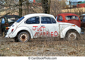 just married - Just married written on a punch buggy