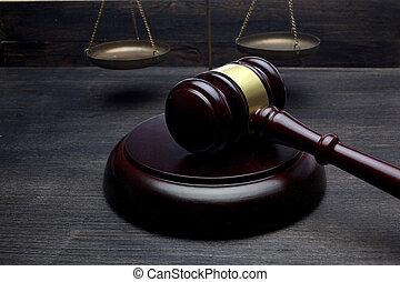 justice, droit & loi, juges, noir, concept., marteau, table, arrière-plan., échelle