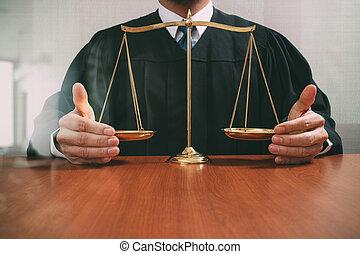 justice, droit & loi, reflété, mâle, scaleon, concept., salle audience, bois, vue, juge, équilibre, table