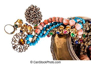 juwelen, buiten de doos
