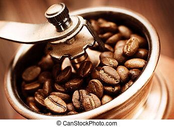 kávécserje őröl