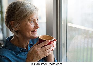 kávécserje, nő, csésze, ablak, birtok, idősebb ember