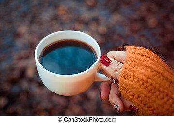 kávécserje, tea leaves, woman's, vagy, bögre, háttér, kézbesít, bukott, szvetter