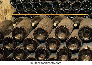 källare, flaskor, vin
