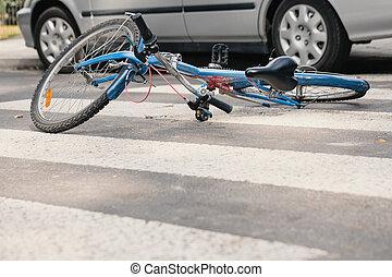 kék, bicikli, képben látható, egy, gyalogos kereszteződnek, után, végzetes, eset, noha, egy, autó