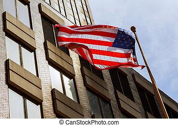 kék, felhőkarcoló, sky., két, ellen, lenget lobogó, amerikai