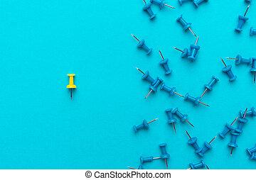 kék, fogalom, tolong, gombostű, felett, backgound, sárga, tol, ki
