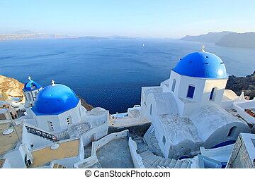 kék, gömbölyít, közül, ortodox, templomok, santorini,...