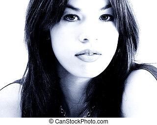 kék, hispanic woman