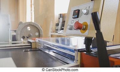 képben látható, sajtó, alatt, egy, nyomtatás, gyár
