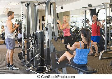 képzés, csoport, tornaterem, súly, emberek