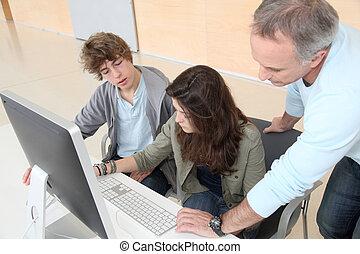 képzés, folyik, diákok, kiszámít, vigyáz, tanár