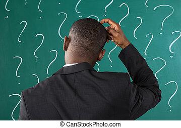 kérdez, aláír, chalkboard, elülső, üzletember, megjelöl