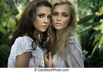 két, fiatal, szépségek