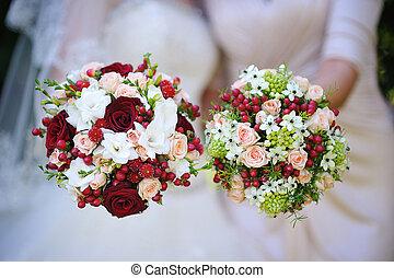 két, gyönyörű, esküvő bouquet, noha, piros virág