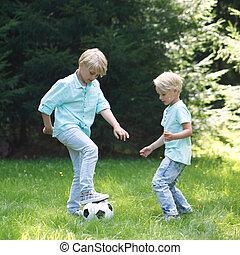 két, gyerekek, játék foci