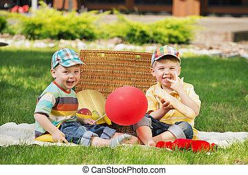 két, kevés, fivérek, játék, képben látható, a, betakar