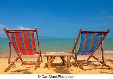 két, tengerpart szék, képben látható, tropikus, tengerpart