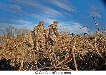 két, vadászok, előkészítő, helyett, kacsa, vadászat