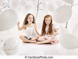 két, vidám, lány, játék együtt