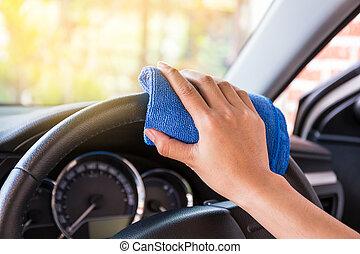 kéz, noha, microfiber, ruhaanyag, takarítás, belső, és, kormánykerék, modern, autó.