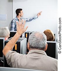 kéz, számítógép, idősebb ember, osztály, emelés, ember