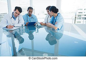 kórház, gyűlés, orvosok