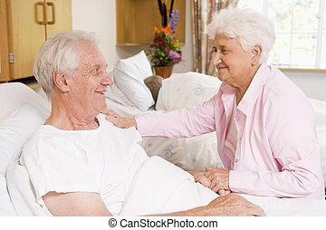 kórház, párosít, idősebb ember, együtt, ülés