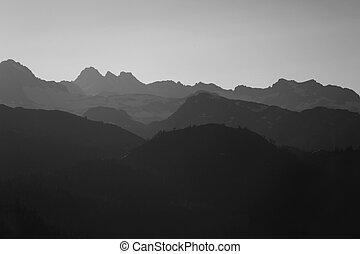 ködös, hegyek, alatt, a, sierras