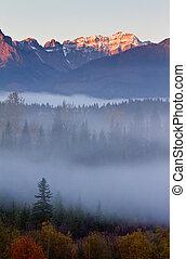 köd, alatt, hegyek