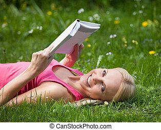 könyv, nő, liget, fiatal, felolvasás