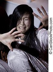 körülbelül, nő, megrémült, erőszak, belföldi, ázsiai, kiáltás