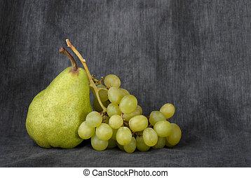 körte, szőlő