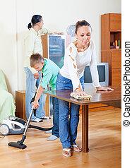 közönséges, család, közül, három, cselekedet, nagytakarítás