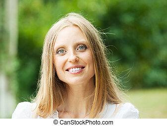 közönséges, középkorú, nő