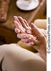 közelkép, woman\'s, öregedő, kézbesít