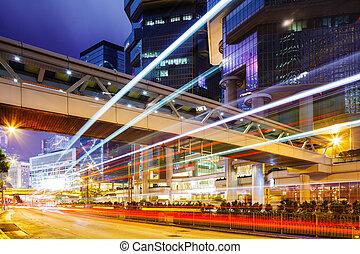 közlekedési lámpa, alatt, város, éjjel