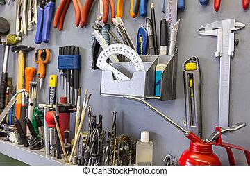 különböző, állhatatos, eszközök