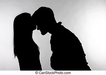 küssende , silhouette, frau, mann, freigestellt, paar, hintergrund., kaukasier, studio, weißes