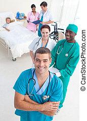 kąt, medyczny, młody, wysoki, chodząc, drużyna, pacjent