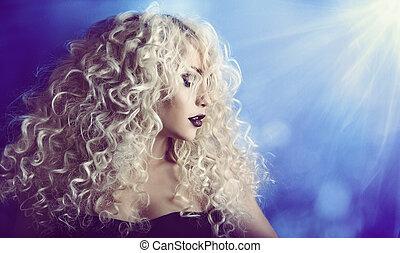 kędzierzawy włos, kobieta, piękno, twarz portret, fason modelują, dziewczyna, z, blond, fryzura, i, kompensować