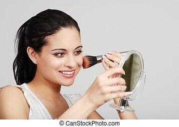 kładzenie, kobieta, hispanic, makijaż