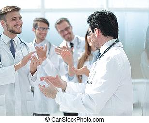 każdy, oklaskując, grupa, inny, leczy