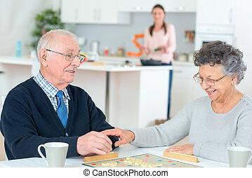 kaarten, paar, gepensioneerd, spelend