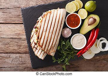 kaas, mexicaanse , quesadillas, bovenzijde, avocado, rundvlees, bonen, close-up., horizontaal, food:, aanzicht