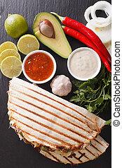 kaas, mexicaanse , verticaal, quesadillas, bovenzijde, avocado, rundvlees, bonen, close-up., food:, aanzicht