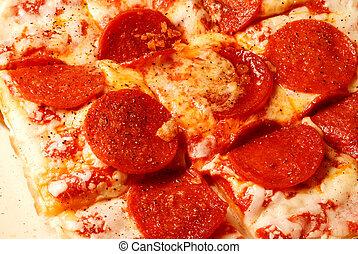 kaas, pepperoni pizza