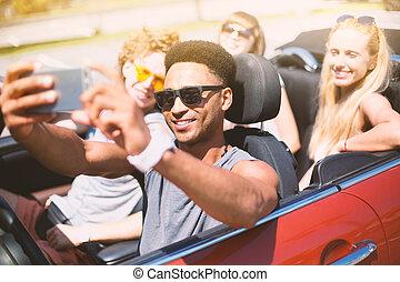 kabrió, autó, selfie, fiatal, fog, barátok